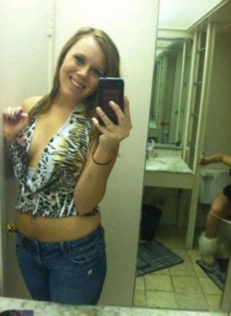 Los 10 peores selfies de la historia. Mira con mucha atención el #9