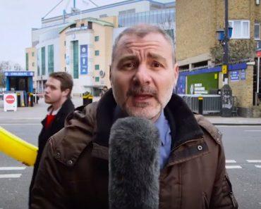 Este periodista italiano es molestado por un fan en una emisión en directo y reacciona así...