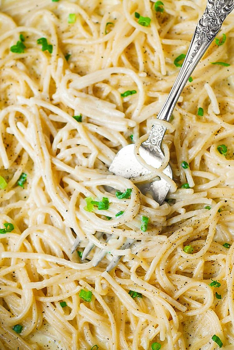 Esta fantástica y deliciosa receta de espaguetis se ha hecho viral en las redes sociales
