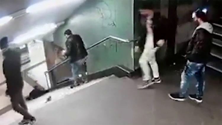 Empujó a una mujer por las escaleras. Después el guardaespaldas de Lady Gaga hizo todo por atraparlo