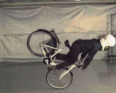 Este airbag sueco para ciclistas se ha hecho completamente viral por una gran razón
