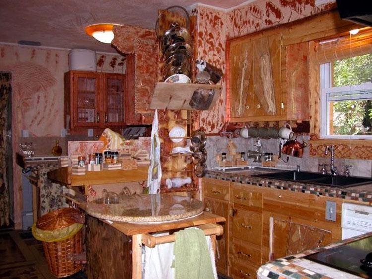 No entendían por qué esta encantadora casa todavía estaba a la venta. Hasta que subieron las escaleras