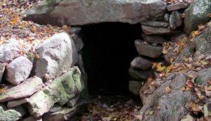 Arqueólogos encontraron algo extraño dentro de esta cueva y sigue siendo un misterio hoy en día