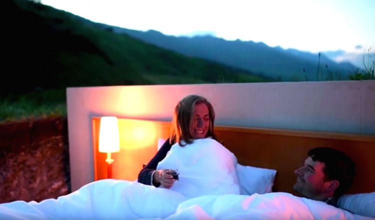¿No ves nada extraño en esta habitación? Es un hotel en los Alpes suizos que sorprende al mundo
