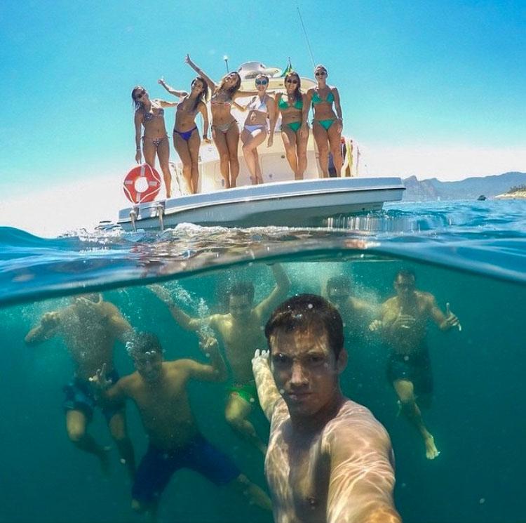 20 selfies que necesitan ser detenidos antes de que alguien se haga daño...