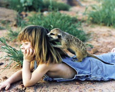 El Mowgli REAL de 'el libro de la selva' vivía en la selva de África y sus fotos son imposibles 1