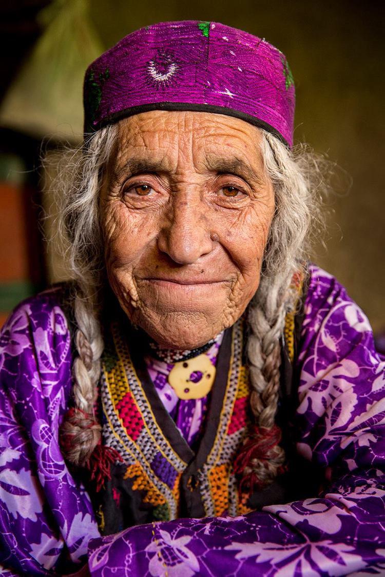 La fotos de este viajero capturan la hermosa diversidad de culturas remotas alrededor del mundo