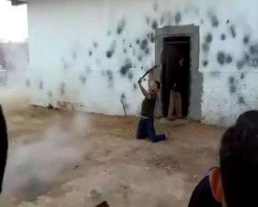 Una tradición peligrosa: así es como celebran las bodas en algunos lugares de Argelia