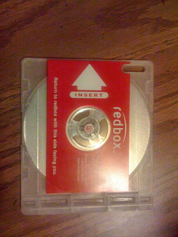 Alquila una película para relajarse y cuando abre la caja del DVD se encuentra esta extraña nota
