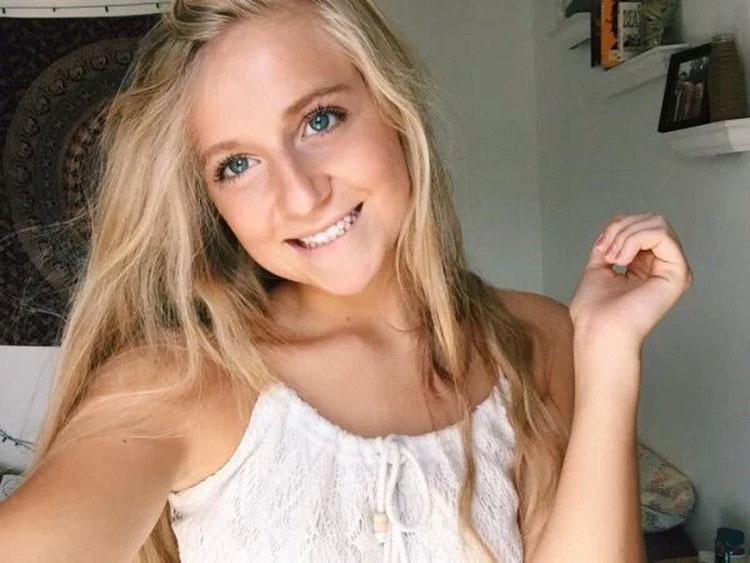 Esta chica descubrió de la manera más dolorosa por qué no debes tener un cuarto desordenado (5 Fotos)