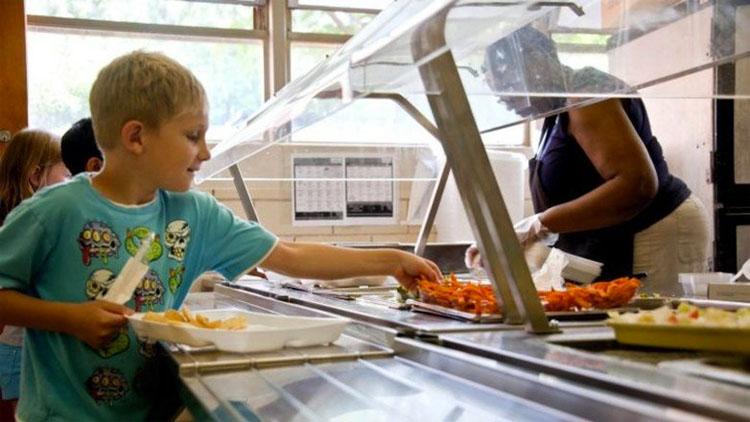 """Una """"desagradable"""" comida en una escuela de Estados Unidos se hace viral por no saber qué es"""