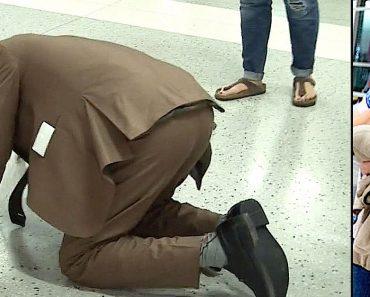 Un hombre se derrumba en el aeropuerto, entonces se dan cuenta de que lo están esperando