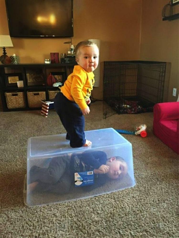 20 fotos que demuestran que no hay un momento aburrido cuando se tienen hijos cerca