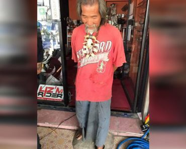 Este anciano era rechazado en cada tienda, entonces revela su secreto a un asombrado vendedor
