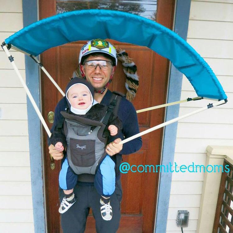 20 ideas geniales de disfraces para Halloween para padres con mochilas porta bebé 10