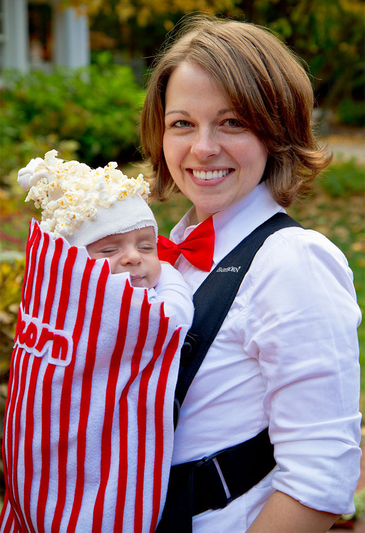 20 ideas geniales de disfraces para Halloween para padres con mochilas porta bebé 6